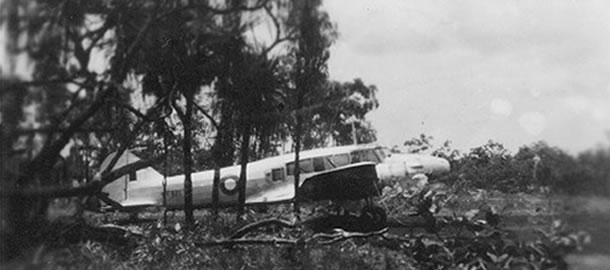 http://batchelormuseum.org.au/wp-content/uploads/2011/10/Avro-Anson-Batchelor-1944_2.jpg